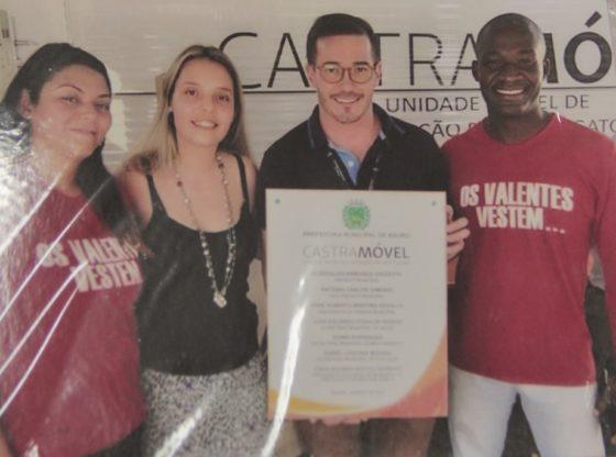 Ação em parceria com a Prefeitura Municipal para o projeto do CastraMóvel. Na foto, de óculos, o secretário de Cultura Rick Ferreira (Foto: Acervo)